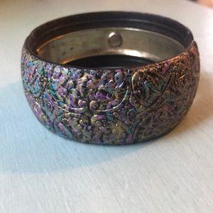 Jewelry - Gorgeous vintage hinge bangle